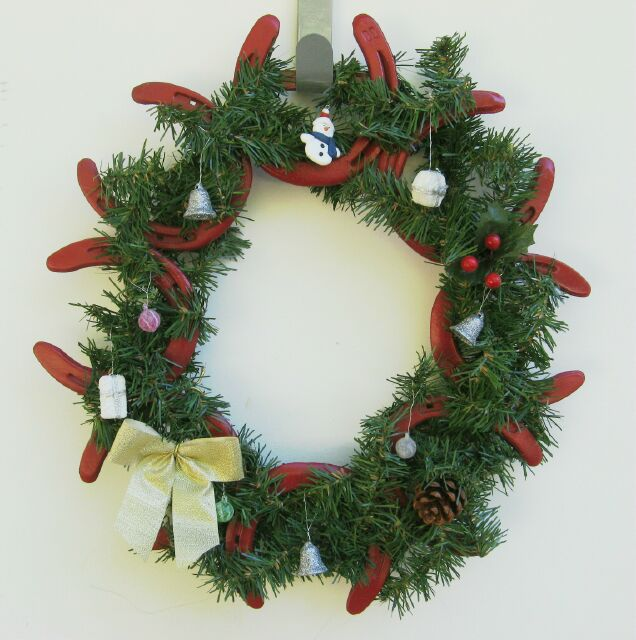 un decorated horseshoe wreaths are also available for those who wish to decorate them themselves subtract 1000 from the prices posted above - Horseshoe Christmas Wreath